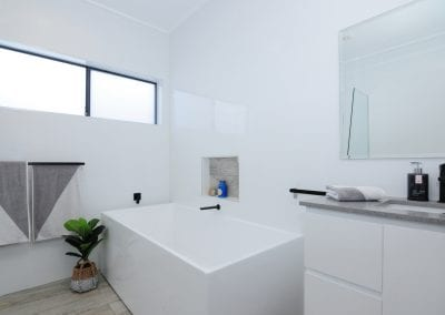 nowra-custom-new-home-bath