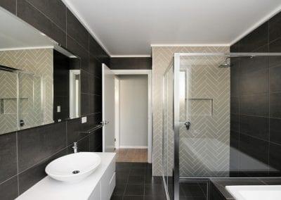 Sth Nowra bathroom1
