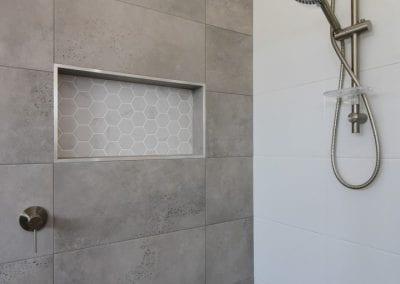 Twin Waters shower detail